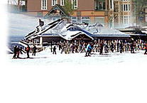 Mt-Tremblant: Quebec: Laurentians: lodging, hotels, inns, bed and breakfast, restaurants, snowmobile, mt-tremblant park, cross country skiing, alpine ski, hotel, inn.